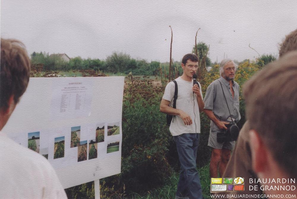 Journée technique de visite des bandes fluries organisée en 2003 par la chambre régionale d'agriculture Rhône-Alpes.
